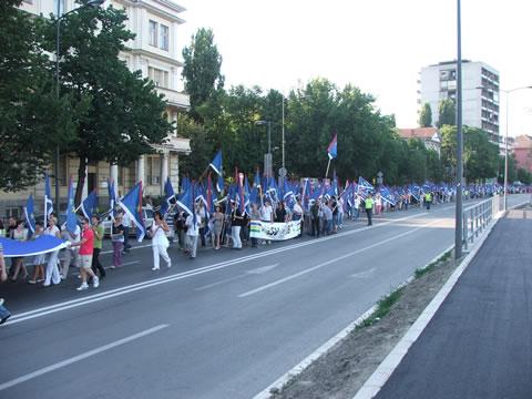 Šetnja sa hiljladu vojvođanskih zastava
